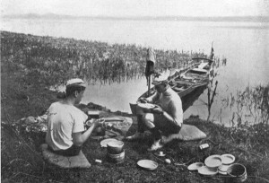 Doppelskuller auf Wanderfahrt, um 1930